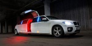 limousine-1249507_1280